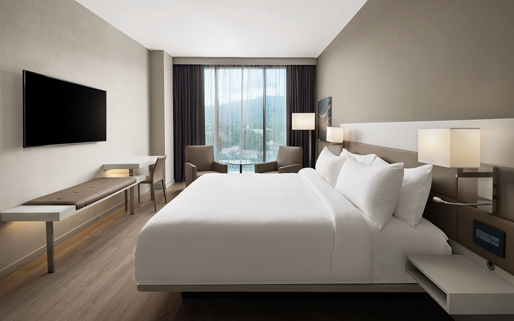Kingston_guestroom
